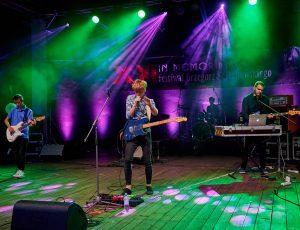 Zapraszamy wszystkich wokalistów i muzyków do wzięcia udziału w kolejnym XIV Ogólnopolskim Konkursie Piosenek Grzegorza Ciechowskiego.